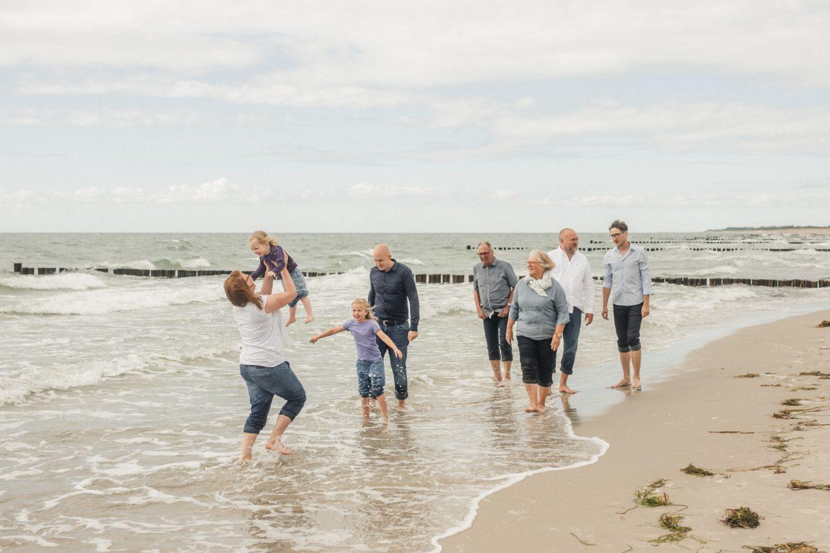 familienshooting, familienfotos, familienfotograf-rostock, familienfotos am strand, familienshooting an der ostsee, familienfotograf_rostock, rügen,darß